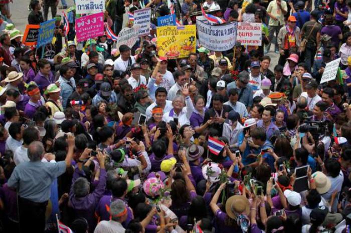 Thailand News: Abhisit enters reform surge; Suthep sets for final battle; Mers alert; Power drain; Thawil refocuses on South | The Thaiger