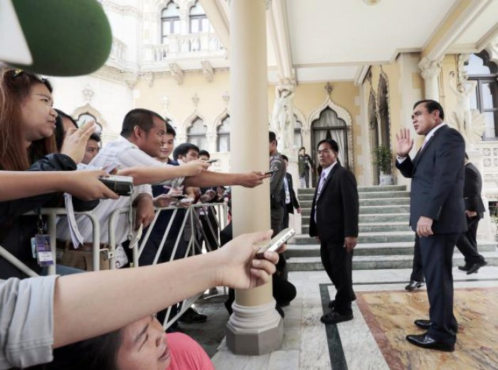 Martial law lifted, as Article 44 leveraged to legitimize PM Prayut's powers | The Thaiger