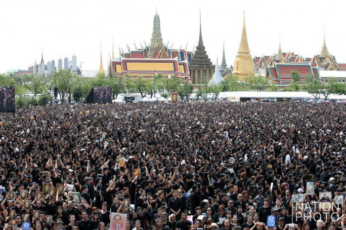 Crowds fill Sanam Luang for live recording of Royal Anthem   The Thaiger