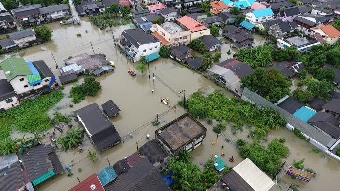 Floods claim 11 lives in South | The Thaiger