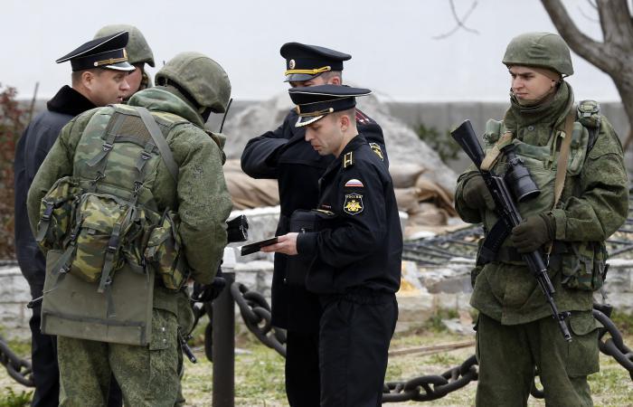 Phuket Gazette World News: Russian forces seize two Ukrainian bases in Crimea | Thaiger