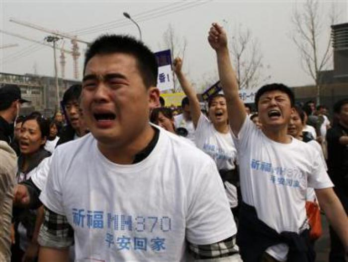 Phuket Gazette World News: Chinese families clash with police, slam Malaysia over lost plane | The Thaiger