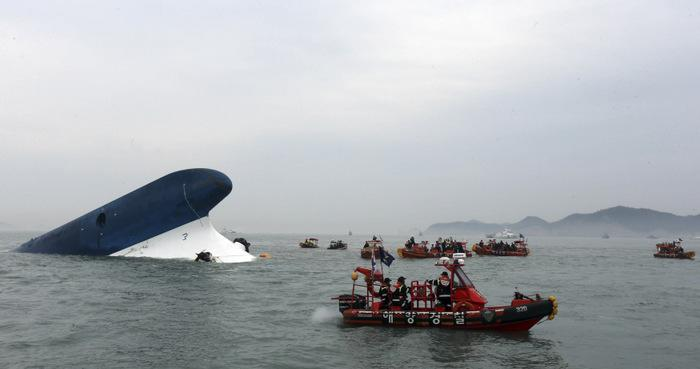 Phuket Gazette World News: Search continues for South Korea ferry sinking survivors | Thaiger