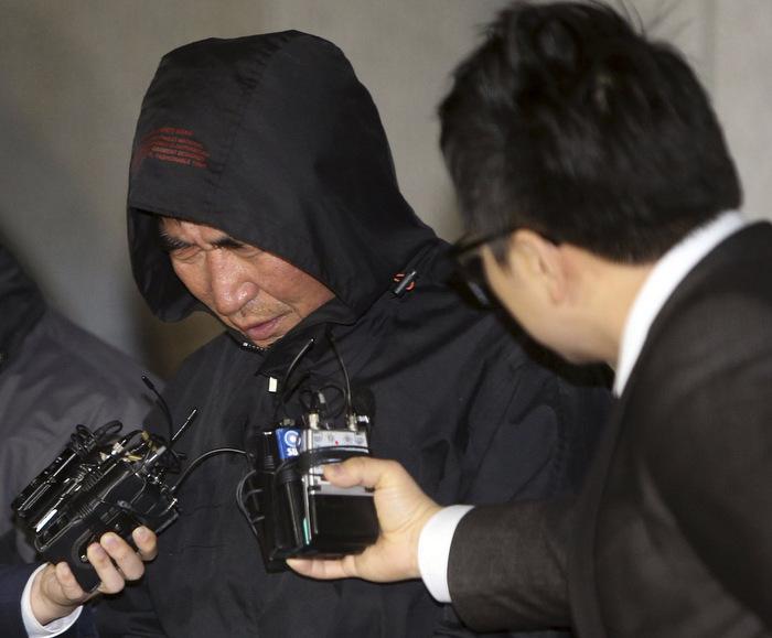 South Korean ferry crew's desertion 'tantamount to murder': Park | The Thaiger
