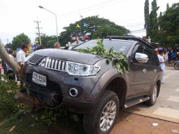 Four young students killed as ex-director has seizure behind wheel | Thaiger