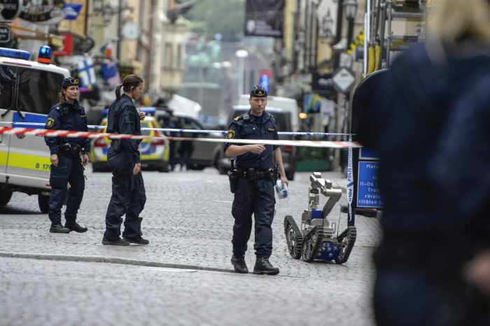 Would-be bomber causing Stockholm lock-down surrenders to police | Thaiger