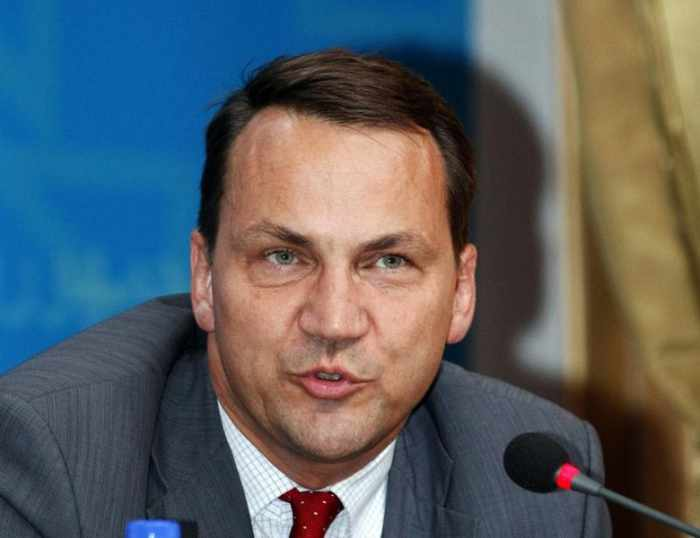 Polish foreign minister: 'We gave the US a blow job' | The Thaiger