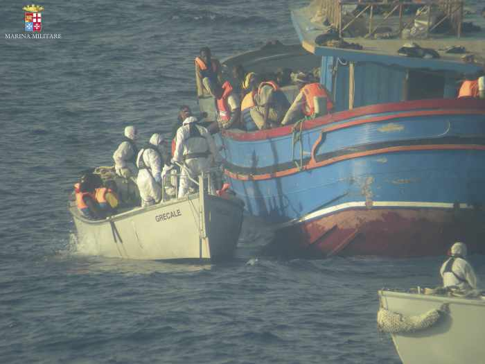 Around 30 migrants found dead on boat near Sicily | Thaiger