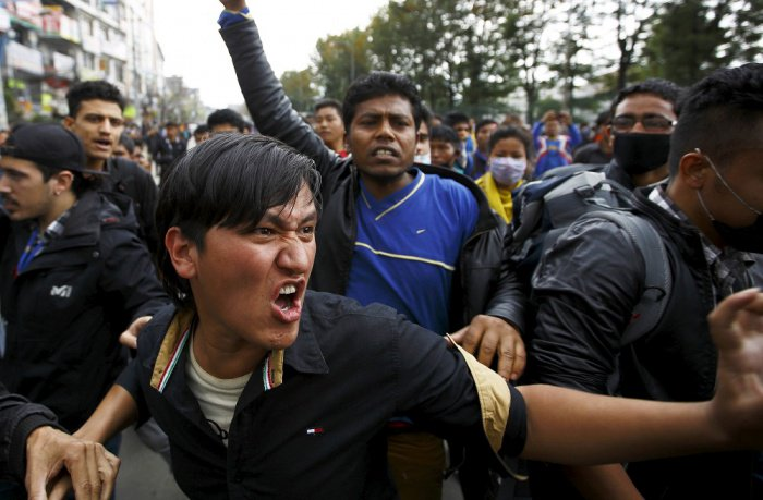 Tired of waiting for aid, angry Nepalis block roads | The Thaiger