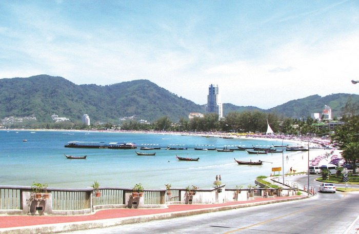 Property Watch: Hotel wars raging on Phuket | The Thaiger