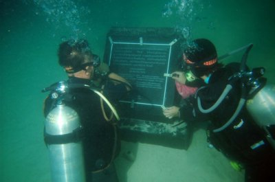 Underwater tsunami memorial installed off Phi Phi Island | Thaiger
