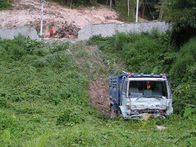 Truck gone wild! | The Thaiger