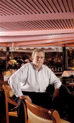 Baan Rim Pa founder Tom McNamara passes away | The Thaiger