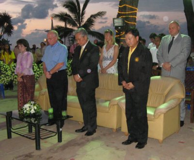 Tsunami memorial service lights up Patong | The Thaiger