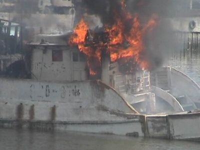 B5m blaze grills tuna boat | The Thaiger