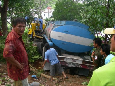 Woman killed in water truck crash | The Thaiger