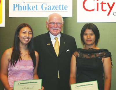 Phuket girls scoop literary awards | Thaiger