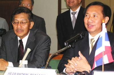 Thailand, Malaysia to drop border passes | Thaiger