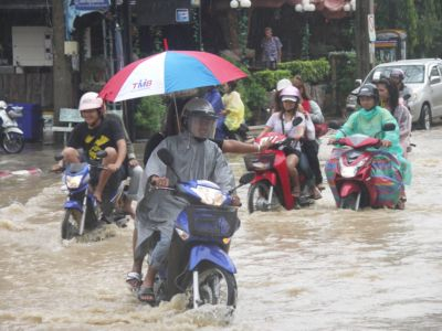 Patong floods in downpours | The Thaiger
