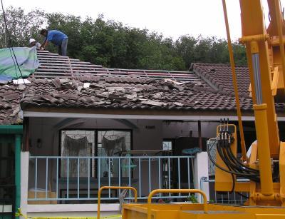 Gas blast damages nine homes | The Thaiger