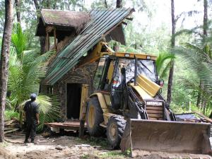 Park officials demolish illegal homes | The Thaiger