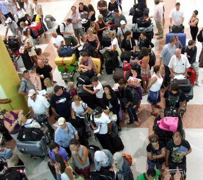 Phuket Airport international arrivals up 25% | The Thaiger