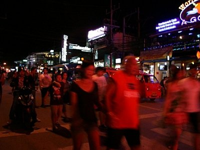 Phuket tuk-tuk driver questioned over rape of tourist | The Thaiger