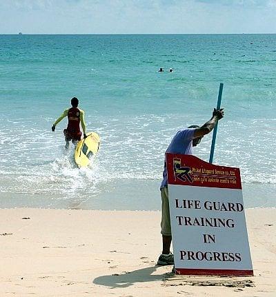 Phuket lifeguards step up lifesaving campaign | The Thaiger