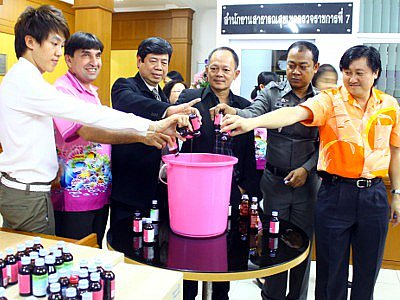 Raided, a Phuket drugstore coughs up colorful comments from officialdom | The Thaiger