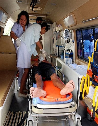 Man survives jump off Phuket's Thepkasattri Bridge | The Thaiger