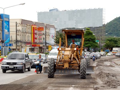 Road work clogs Phuket's main artery | The Thaiger