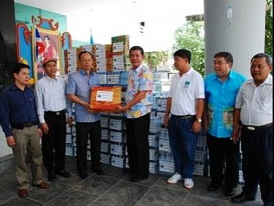 Phuket tuk-tuks join Thai flood-relief effort   The Thaiger