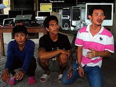 Phuket residents reclaim robbers' loot | Thaiger