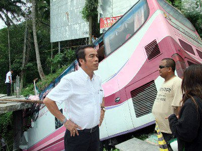 Phuket bus crash driver blames brake failure | The Thaiger
