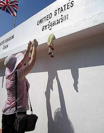 Phuket tsunami memorial service honored by few | The Thaiger