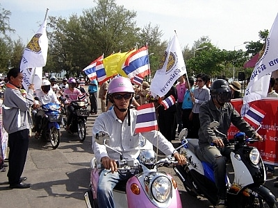 Phuket parade marks New Year road safety campaign | The Thaiger