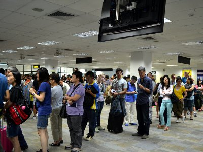 No short-term solution for Phuket Airport Immigration bottleneck | The Thaiger