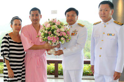 """Phuket's """"Pla-wan' recovering returns home, receives second Royal bouquet   The Thaiger"""