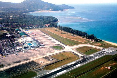 Phuket Media Watch: Chinese New Year fuels flight record at Hong Kong Airport | The Thaiger
