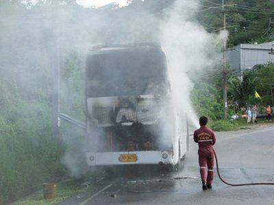 Finnish tourists unharmed in Phuket bus fire | The Thaiger