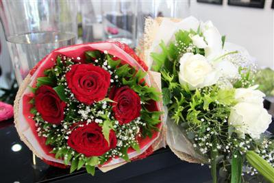 Phuket flower shops report blooming sales | The Thaiger
