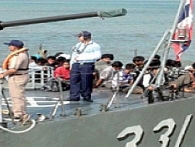 Royal Thai Navy intercepts 27 Phuket-bound Burmese | The Thaiger