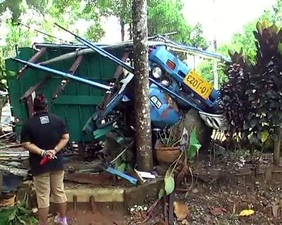 Five dead, 16 injured in Phang Nga crash | The Thaiger