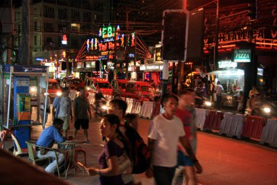 Pregnant Aussie teenager beaten, robbed in Phuket ladyboy attack | The Thaiger