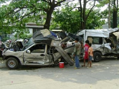 Phuket Gazette: 10 dead, 52 hurt in just 2 road accidents; Speeders to be fined | Thaiger