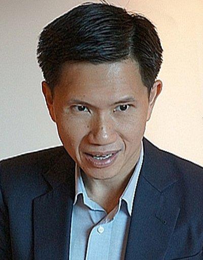 Renowned Political Analyst Thitinan Pongsudhirak speaks to Phuket | The Thaiger