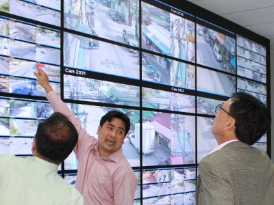 Paiboon launches new Phuket CCTV control center | The Thaiger