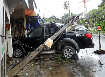 Red light confuses alleged drunk driver into taking out Phuket power poles | The Thaiger