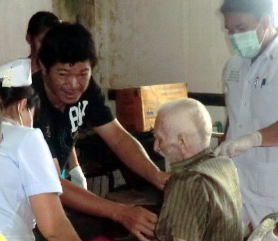Phuket Town ultimate hotel guest Hans Maeter recovering well | The Thaiger