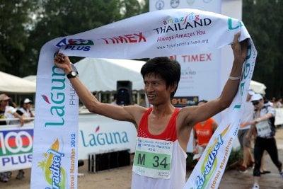 Thai debutant Danchai denies Paine hat-trick victory at Laguna Phuket Marathon | The Thaiger
